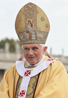Pope Benedict XVI en ael Vatican en octubre del 2010 (Cortesia de WikiFiles)