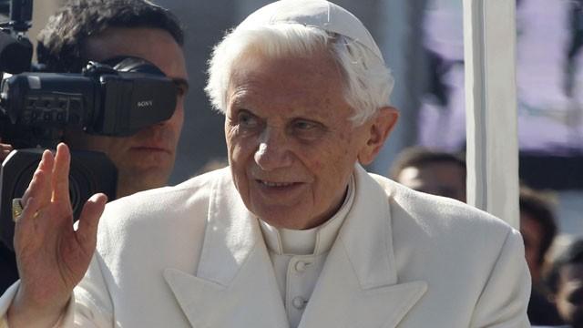 El Papa Benedicto XVI ordena su último adiós a la Ciudad del Vaticano(Foto cortesia de ABC News)